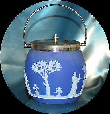 WEDGEWOOD BLUE JASPER BISCUIT BARREL ART DECO SILVER PLATED LID (1149)