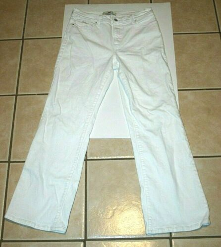 womens 12 m Levi's perfectly slimming 512 bootcut