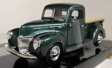 Motormax 1/24 Scale 1940 Ford Pickup Metallic Green Diecast model car