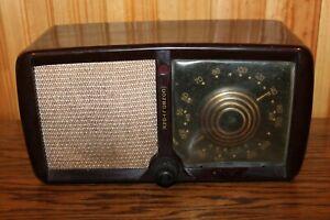 1946 ZENITH 5D011Z CONSOLTONE BAKELITE TUBE AM RADIO - Works