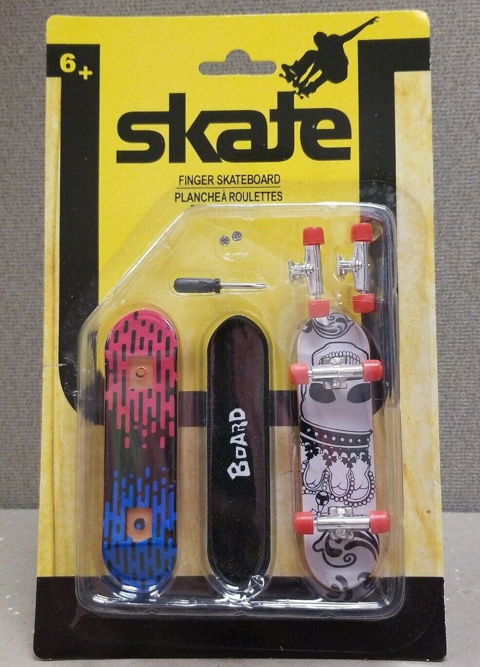 Boards With Tools /& Extra Set of Wheels NEW Set of 2 Skate Finger Skateboard