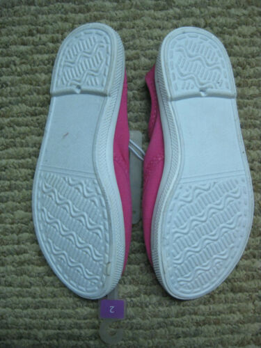 Xhiliration Girls Pink Tennis Slip on Laceless Shoes 2  NEW