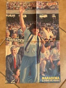 POSTER-GENTE-PRESENTAZIONE-DIEGO-ARMANDO-MARADONA-SAN-PAOLO-NAPOLI-LUGLIO-1984