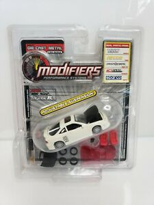 Modifiers-Performance-Systems-2000-Acura-Integra-Type-R-Series-2-White-1-64-HTF