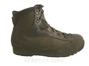 British Army - AKU Pilgrim GTX FG M Mid Height Combat Brown Gore-tex Boots