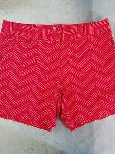Ann-Taylor-LOFT-Chino-Shorts-Womens-Size-10-Red-Chevron-Print-Cotton