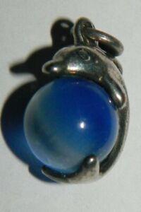 pendentif métal argenté dauphin