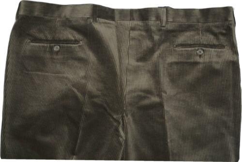 61 67 75 Pantalone 73 63 Uomo Verde 71 Visconti Velluto Calibrato 69 59 65 RAIABqg