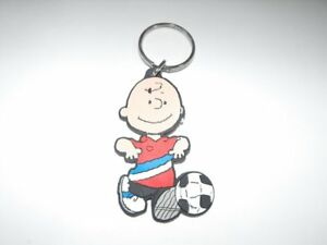 Charlie-Brown-Flat-Plastic-Key-Chain-3-inch-Peanuts-Playing-Soccer-Keychain