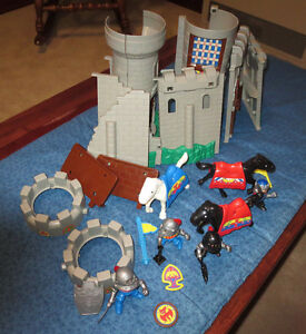 1996 Lil' Playmates Unimax Medieval Castle Set: Horses, Knights, more