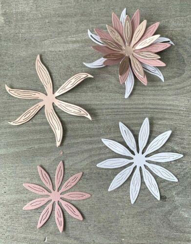 bis 8,5 x 8,5 cm Stanzschablone// Cutting dies  XL Blumen Blütentrio zart