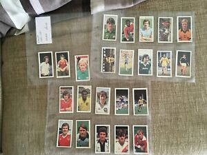 23 BASSETS FOOTBALL 1980-81 CARDS INCLUDING NO. 24 GEORGE BEST