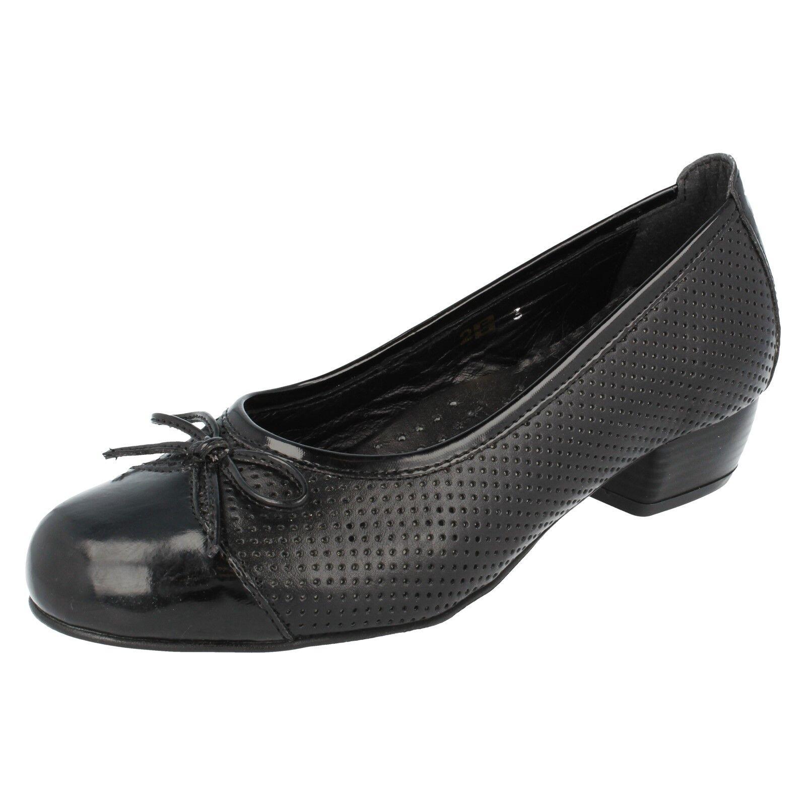 Ladies Black Leather Heeled Da Bella Easy B Slip On shoes Gillian