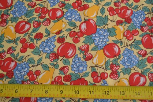 B567 By 1//2 Yd Fruit on Yellow Quilting Kaufman//Zimmerman//Sweet Pickins//10731