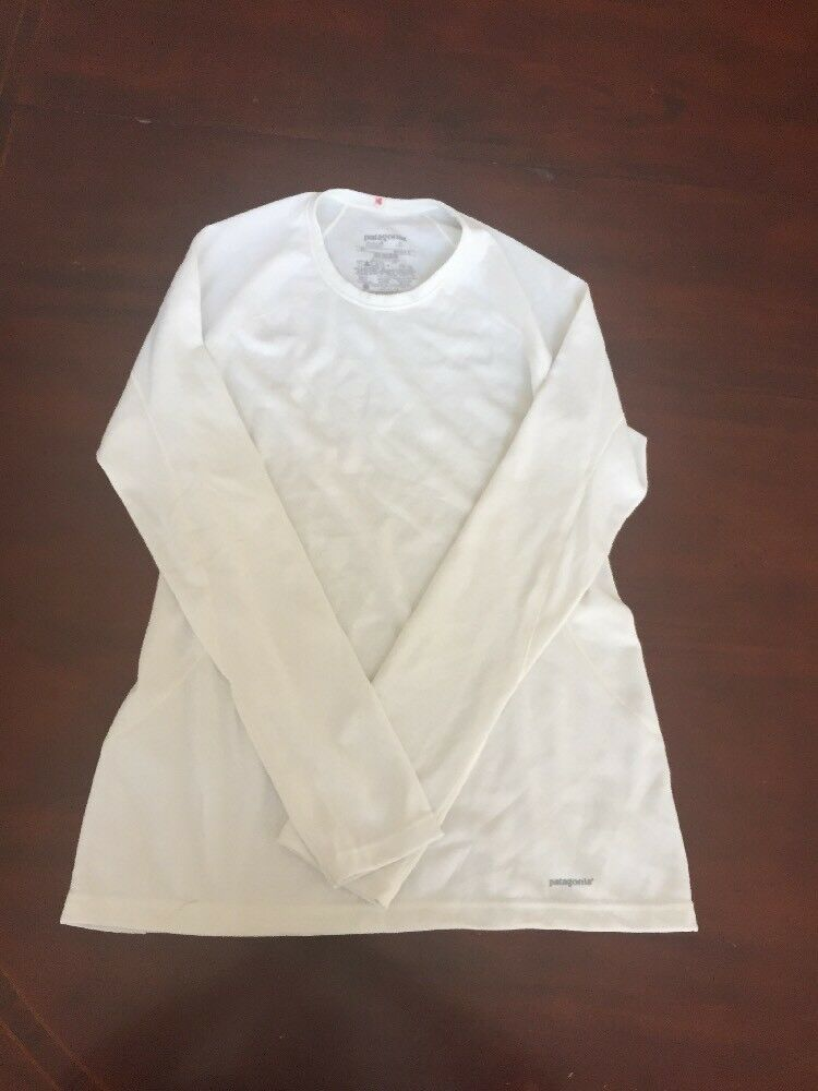 Patagonia Women's White X-Small Athletic Long Sleeve Shirt. TL8