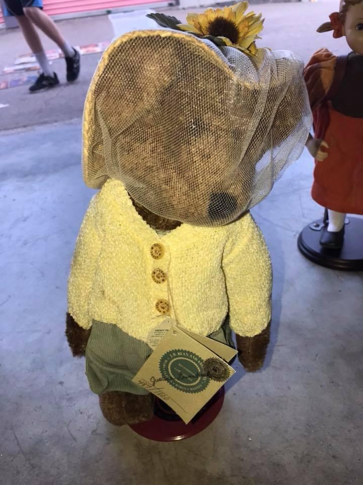 Boyd's Bears  487 of 1800 20th Anniversary Bear w  stand