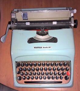 OLIVETTI-STUDIO-44-MACCHINA-DA-SCRIVERE-POST-M1-del-1952-OLD-TYPEWRITER