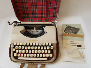 Vintage German Typewriter Voss Privat from 1960 + Manual - Decoration Interior