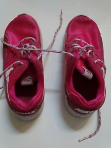 HOT PINK NIKE ATHLETIC TENNIS SPORTS