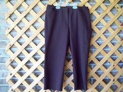 "Chico's 1 Cropped Capris Pant  Dark Brown Classic Style 40"" Hip  NEW No Tag"