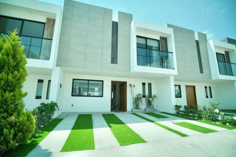 Casa nueva en Venta en Lomas de Angelopolis, Puebla. Amplio jardín, el mejor precio