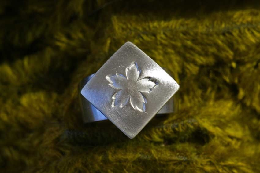 ♥♥♥  SOLO Blütenköpfchen in massiv 925 silver für CHARLOTTE 21 ♥♥♥