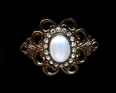 Elegant Faux Pearl Cabochon & Rhinestone Antique Gold Tone Scrolled Edge Pin