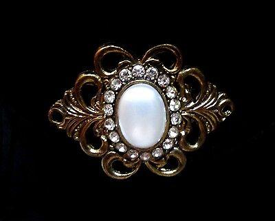 Elegant Faux Pearl Cabochon & Rhinestone Antique Gold Tone Scrolled Edge Pin