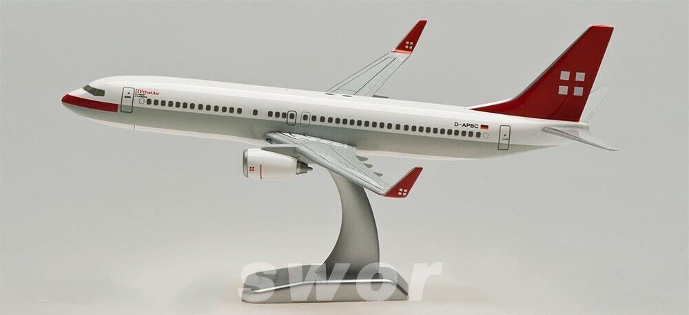 20CM 1 200 PrivatAir Boeing 737-800 Passenger Airplane ABS Plastic Plane Model