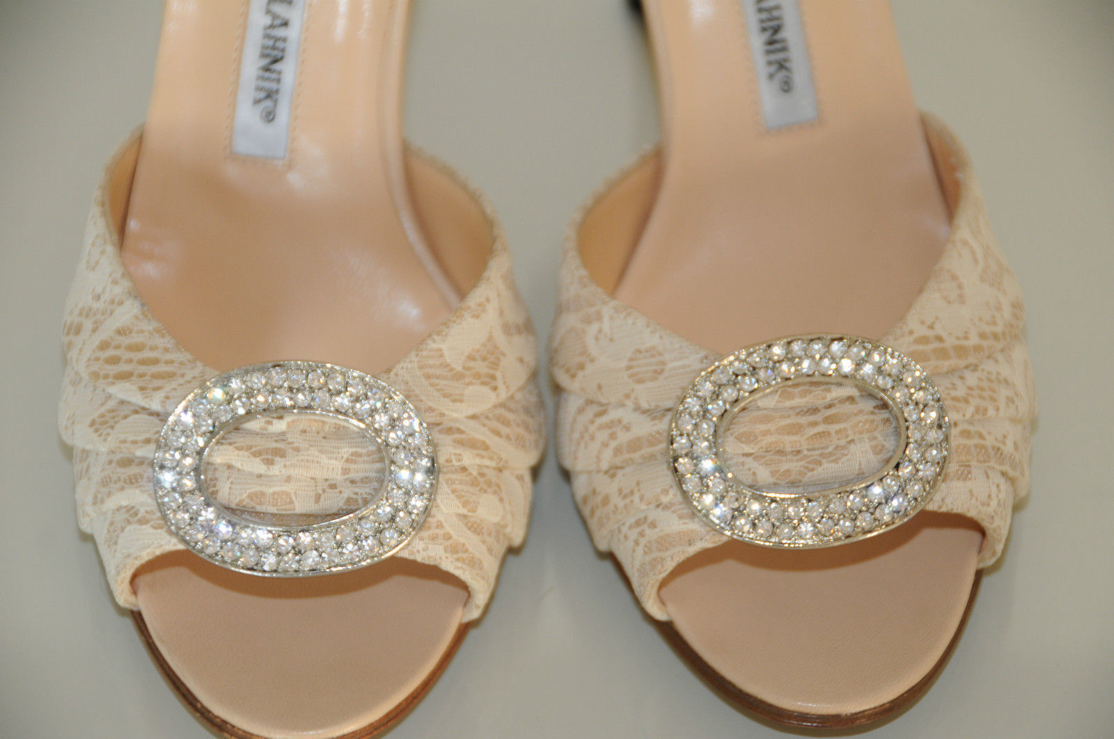 785 New MANOLO BLAHNIK SEDARABY Beige Lace Nude Silver Jeweled SHOES wedding 38