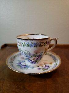 "Vintage Roslyn Bone China  England Tea Cup & Saucer ""Garland"" design EUC"