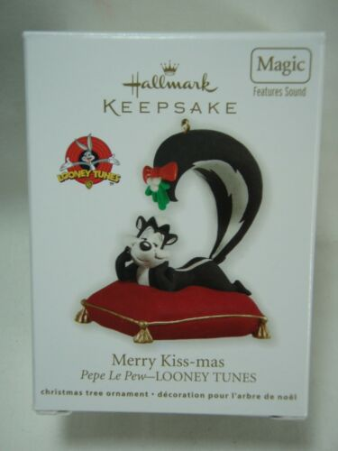2012 Hallmark Keepsake Ornament Merry Kiss-mas Pepe Le Pew Looney Tunes B26
