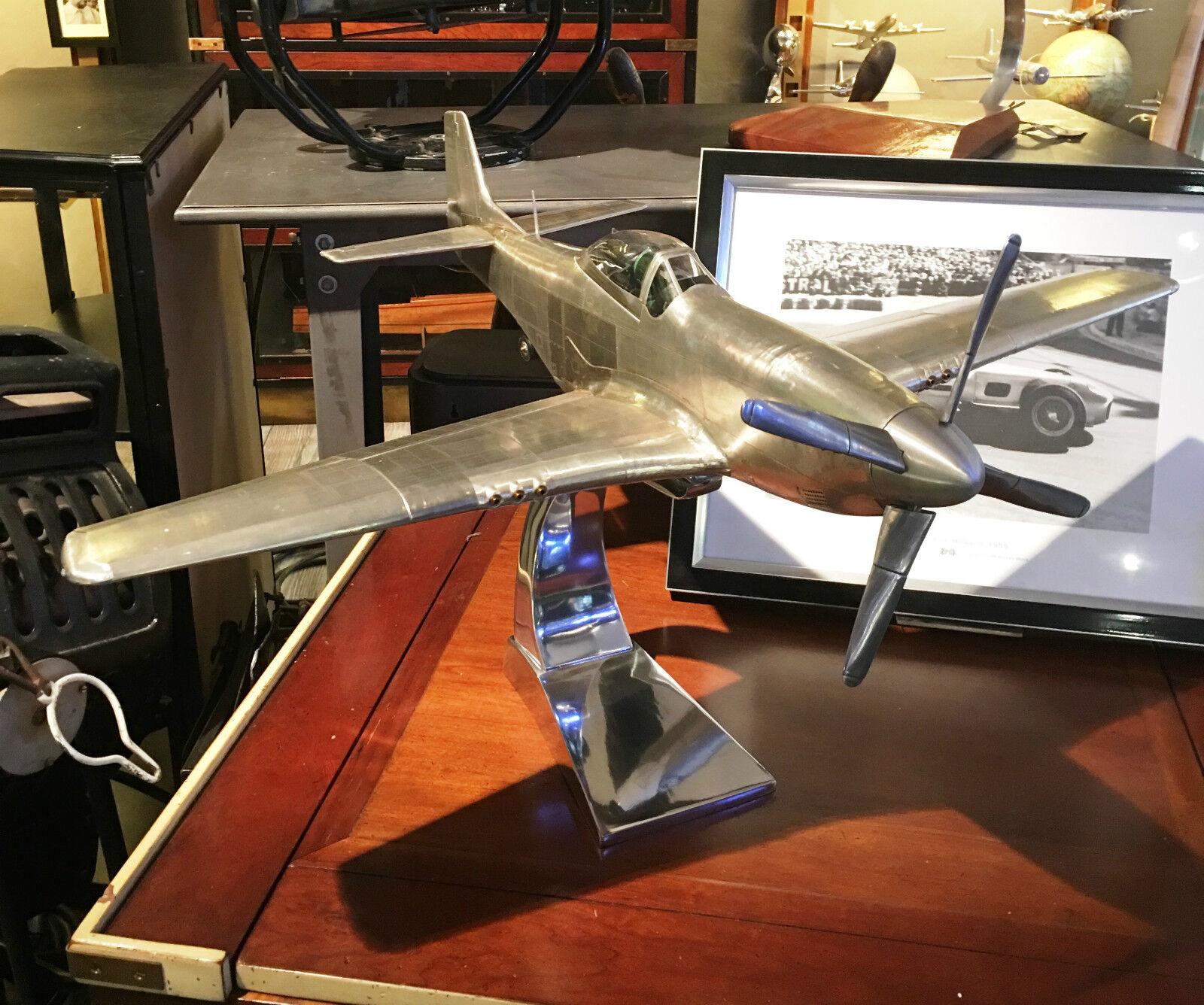 Nouveau  modèle d'avion NORTH AMERICAN p51 mustang, à la main modèle en métal