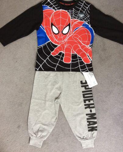 M/&S SPIDERMAN Pyjamas-haut noir avec spiderman dans Web /& Pantalon Gris-Bnwt
