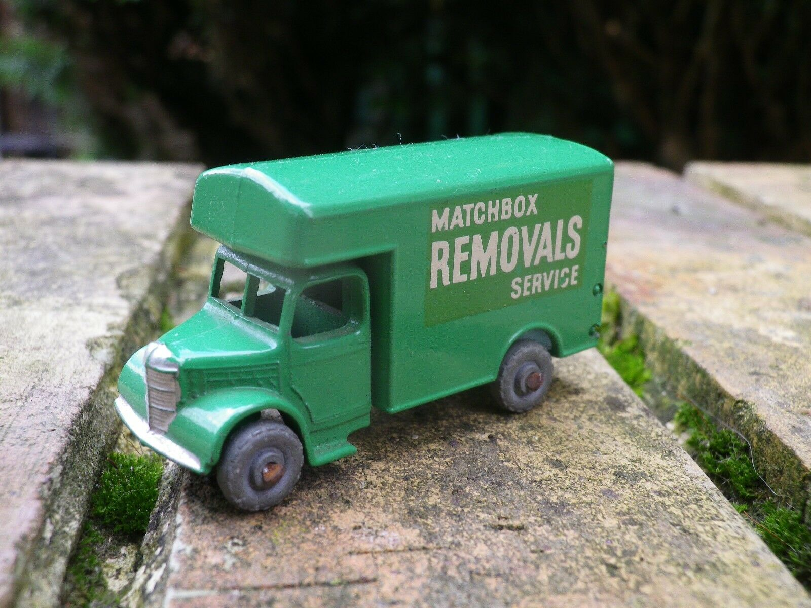 MATCHBOX LESNEY MOKO 17 a a a BEDFORD REMOVALS verde CLAIR COMME NEUF sans boite 583b4f