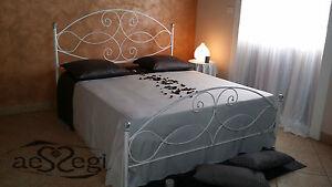 Letto matrimoniale in ferro battuto modello Gentjna bianco decorato ...