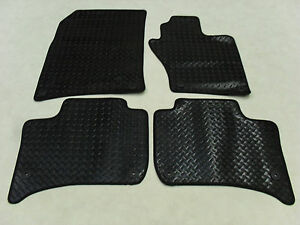 CLIPS Citroen DS3 2010-on Fully Tailored Deluxe Car Mats in Black.