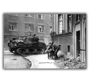 War-WW2-US-Army-Sherman-tank-M4-Sherman-wounded-during-Photo-size-034-4-x-6-034-inch-H