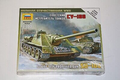 Zvezda 6211 SU-100 soviet self propelled tank militaire 1:100 modèle kit