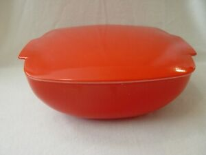 Older Very Nice 2.5 Quart QT. RED & WHITE Pyrex Covered Hostess Casserole Dish