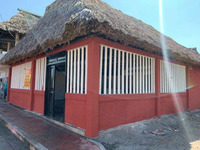 PROPIEDAD COMERCIAL PALAPA RESTAURANT EN VENTA