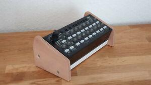 Holz-Rack-fuer-Korg-SQ-1-Sequencer-Seitenteil-Wooden-Side-Panel-Stand-Eiche-Hell