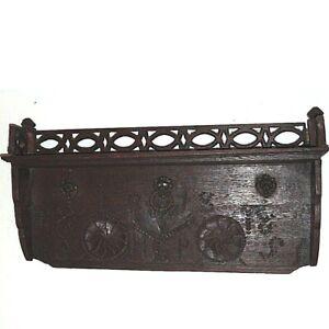 Antikes-Spaet-Barock-Regal-datiert-1818-massiv-Eiche-ca-61-x-30-x-11cm-Original