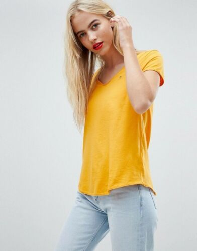 Tommy Jeans Ladies Tshirt Size XS Bargain 6-8