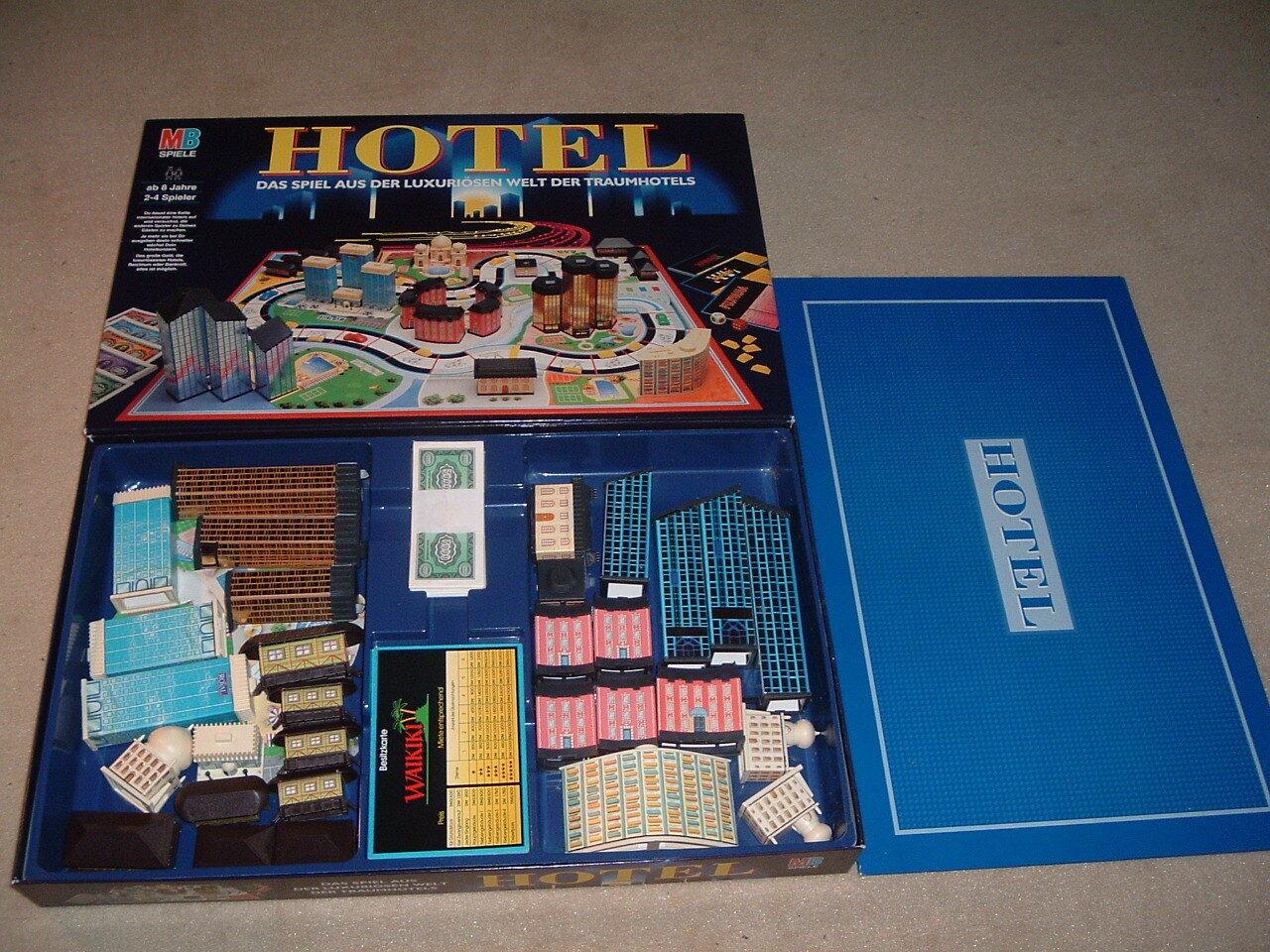 MB Spiel HOTEL NEUWERTIG 100 Prozent komplett komplett komplett mit Laternen 8ff905