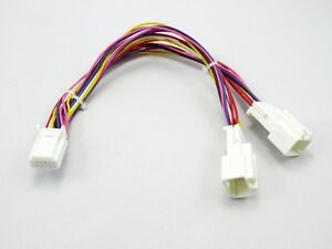 Y-Adapter-passend-fuer-Toyota-ab-2004-MP3-CD-Wechsler-NAVI-Radio-small-klein