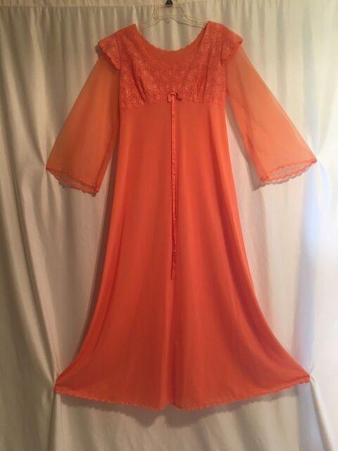 Vintage dressing gown La Castellana nylon caftan nightgown chiffon ...
