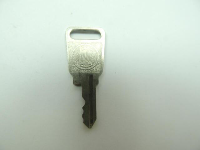 NOS Vintage Honda Motorcycle Key H1031 Y862c
