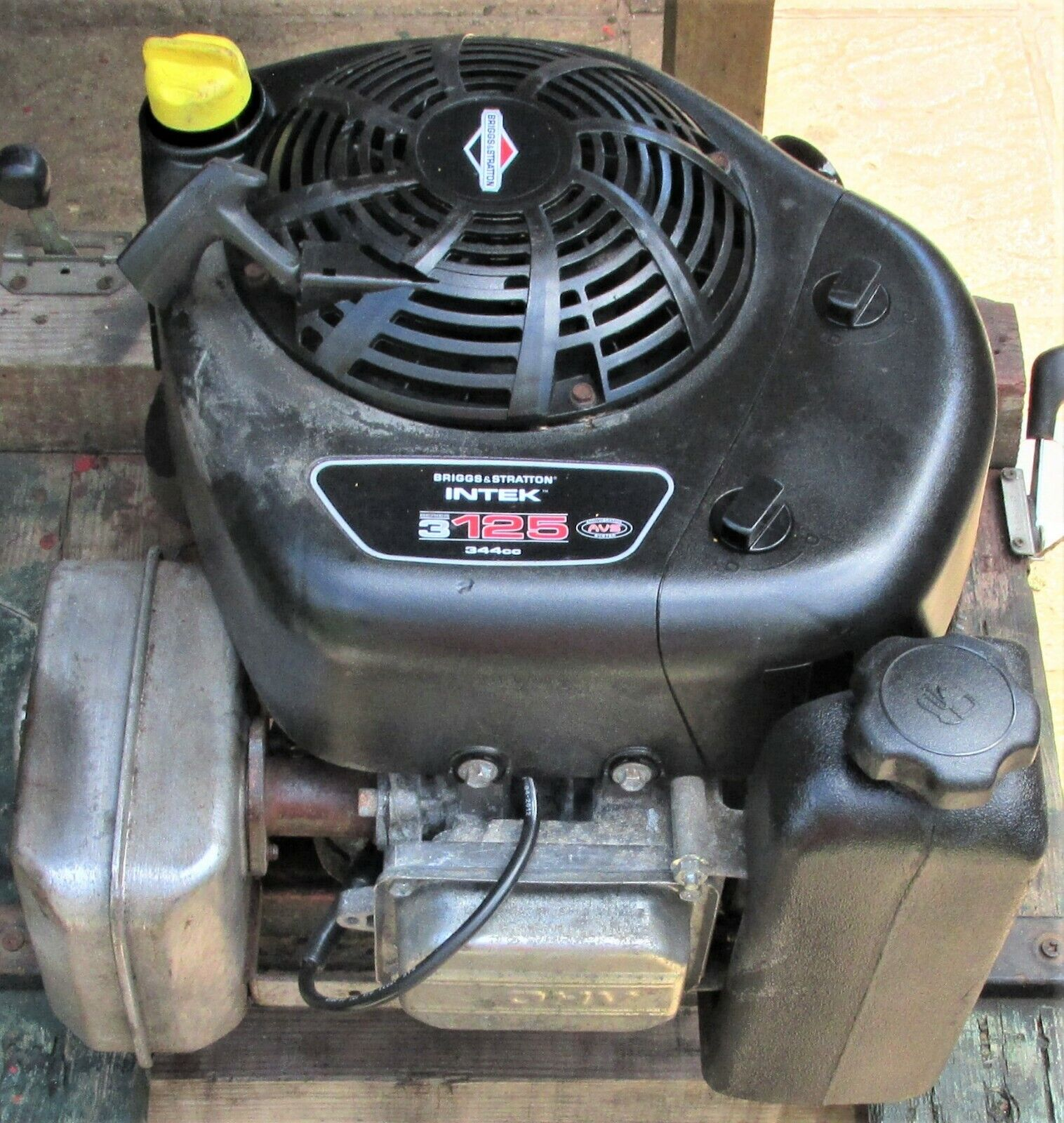 12.5hp Briggs&Stratton INTEK Petrol Engine-Pull Starts only-Ride on mower E.T.C