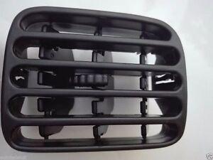 renault clio ii 98 01 grille de ventilation panneau. Black Bedroom Furniture Sets. Home Design Ideas